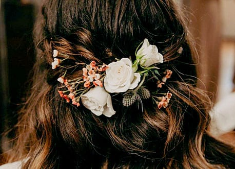 hair flowers wedding